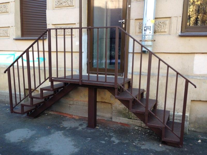 Лестница металлическая изготовление СПб