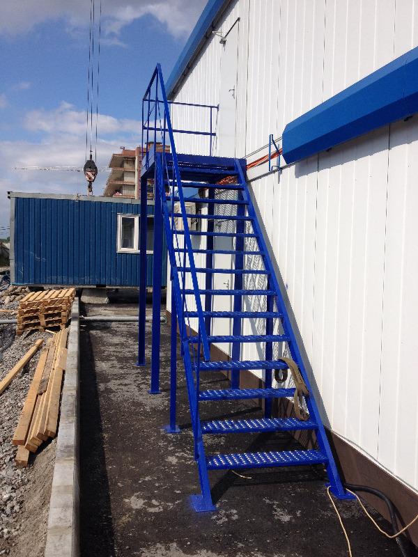заказать металлическую лестницу с площадкой москва